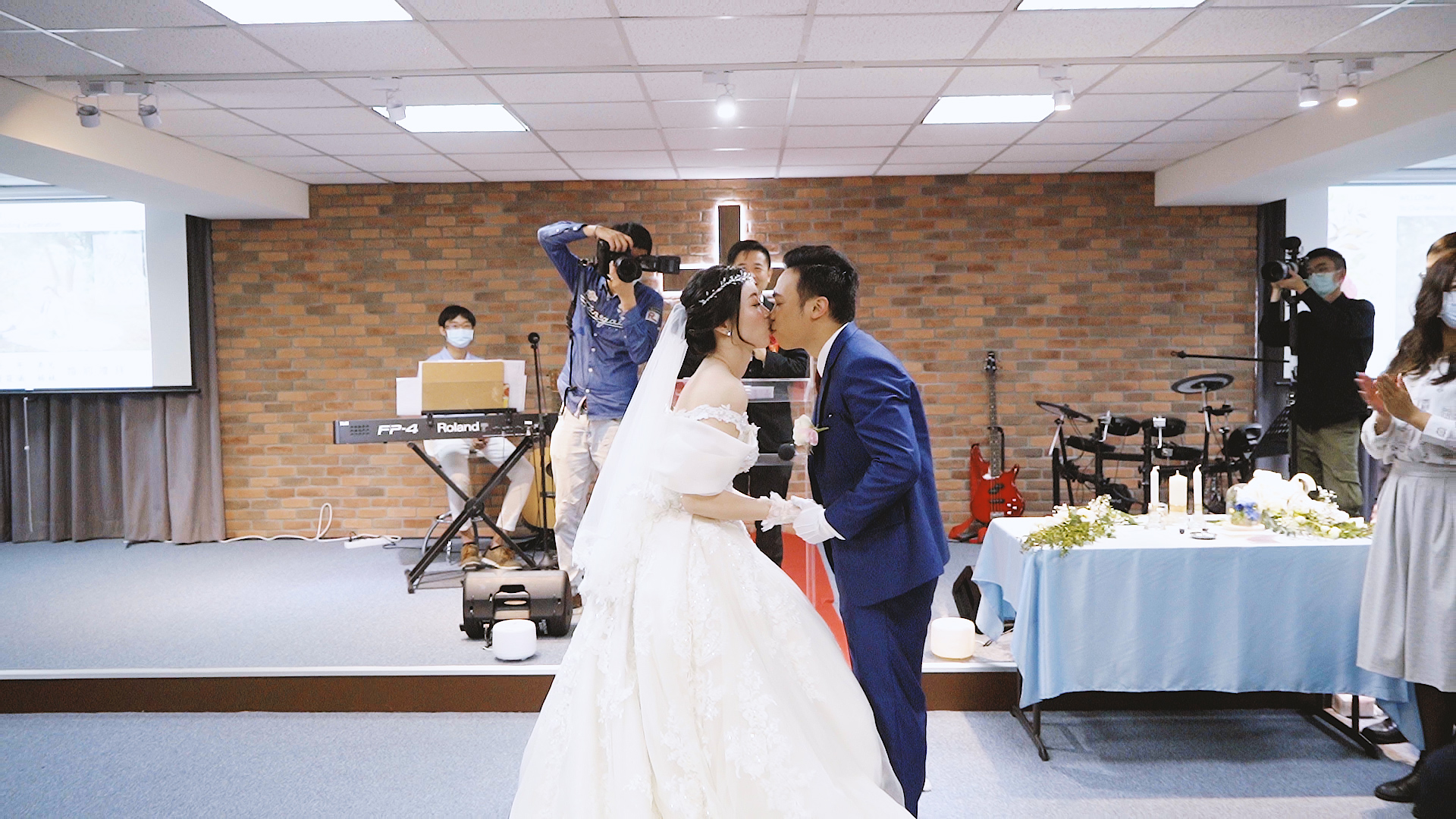 Ping & Phoebe Wedding Mv 教會儀式.00_03_54_20.Still001